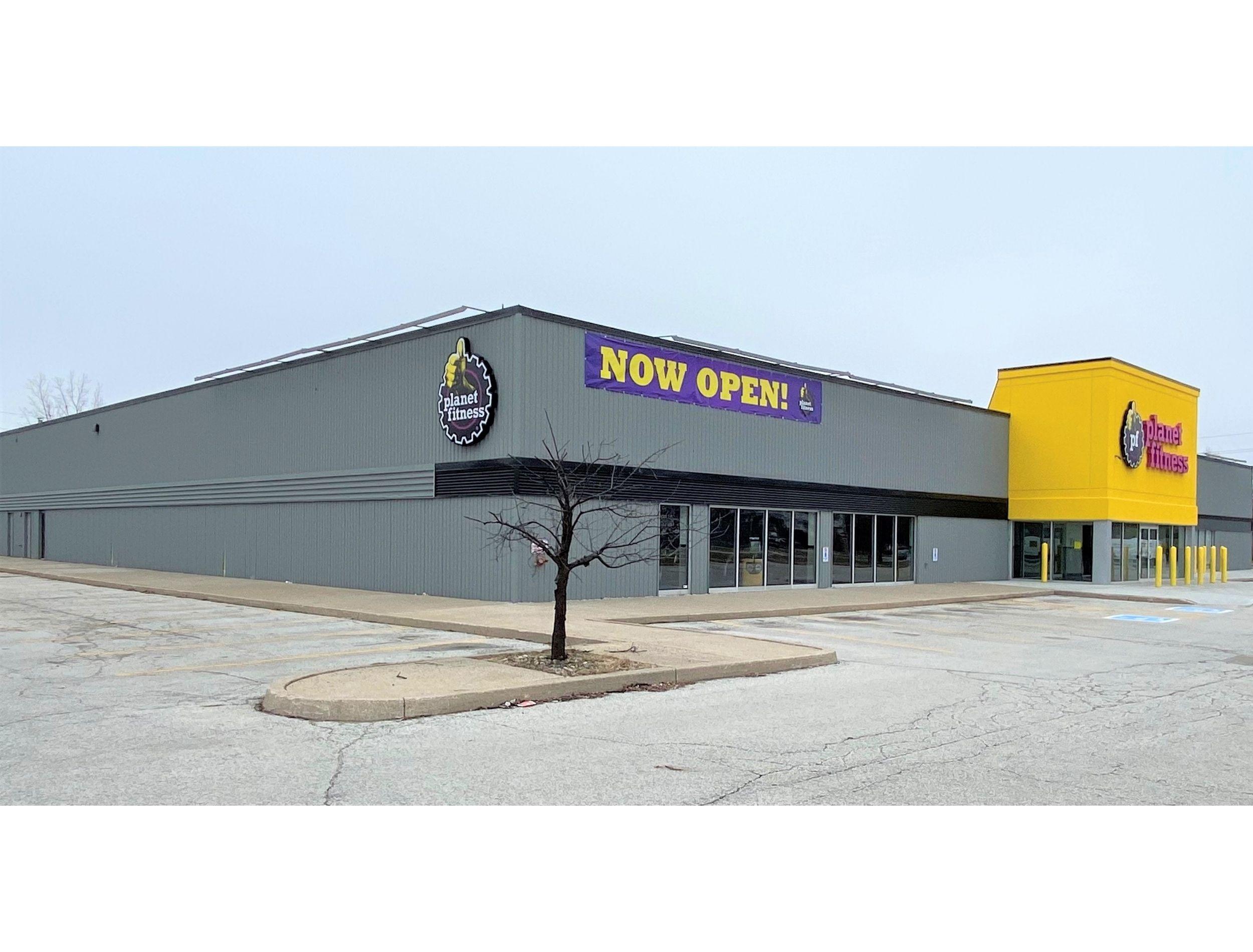 Planet Fitness Windsor Ontario Exterior